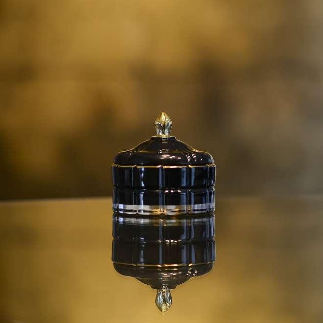 stiklinis-indelis-su-dangteliu