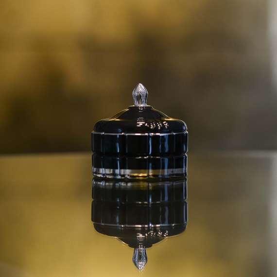 stiklinis-indelis-su-dangteliu-juodas-ir-sidabras