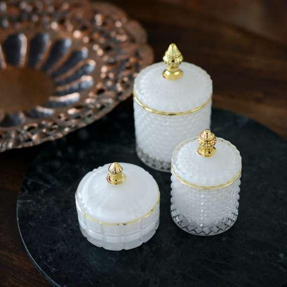 kvapiuju-zvakiu-rinkinys-royal-3-zvakes